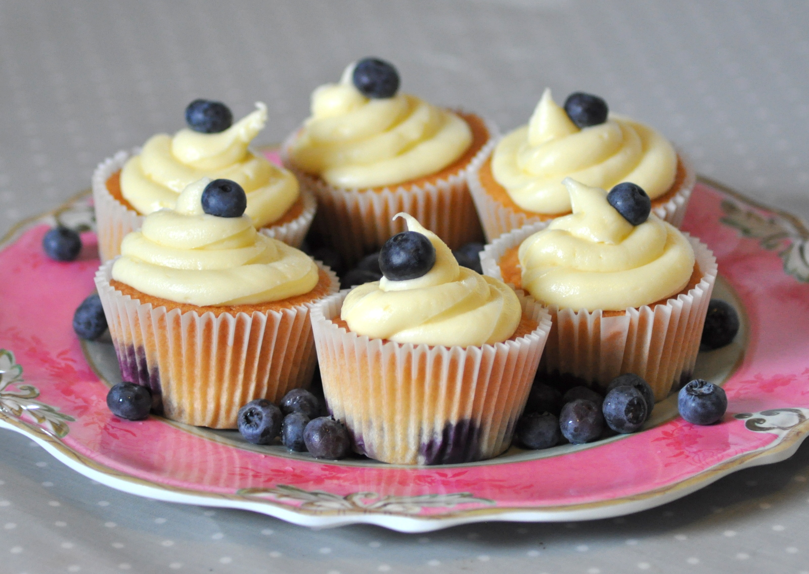 blueberry cupcakes 004