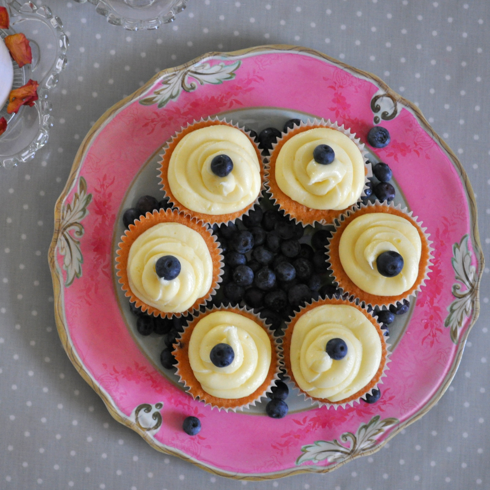 blueberry cupcakes 018